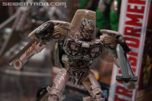 SDCC 2017: Preview Night Transformers The Last Knight; Deluxe Cogman, Leader Class Dragonstorm, more #HasbroSDCC