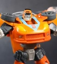 Transformers News: Transformers Generations GDO Deluxe Wheelie Review
