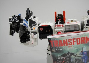 Transformers News: Million Publishing Generations Shouki Gun Mode revealed