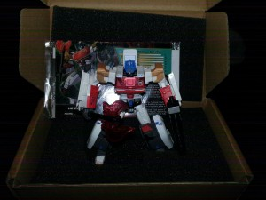 Transformers Collectors' Club Exclusives Lio Convoy is starting to Arrive