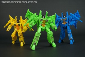 New Galleries: War for Cybertron SIEGE Rainmakers Acid Storm, Ion Storm and Nova Storm