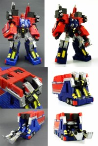 Transformers News: D.I.A. Commander released this week with an extra weapon
