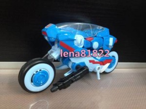 Transformers News: In-hand images of Transformers Generations Chromia