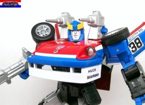 Transformers News: In-Hand Gallery: Takara Tomy Transformers Masterpiece MP-19 Smokescreen