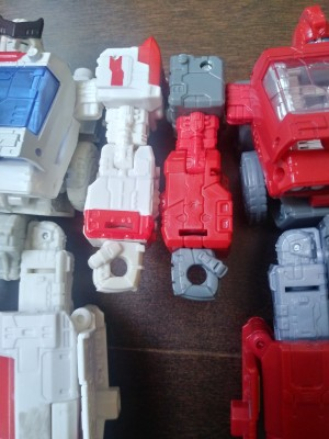 Images Showing Just How Different Siege Ratchet is from Ironhide and New Sculpted Detail