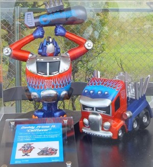 New Big Daddy Optimus Prime Calflavor bust set from Takara Tomy