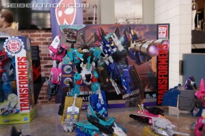 Hasbro Press Event: Transformers Combiner Wars Liokaiser Revealed!!! #HasbroSDCC