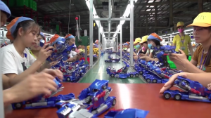 Transformers News: Videos Showing Factory Assembly and Painting Process for Transformers Figures