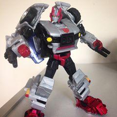 Transformers News: Transformers Generations Crosscut Video Review