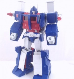 Transformers News: Video Review - Transformers Masterpiece MP-22 Ultra Magnus