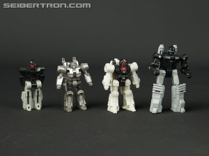 In-hand comparison pics of Battle Masters from Transformers War for Cybertron SIEGE
