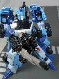 Transformers News: New Images of United Fracas and Haywire with Generations Blurr
