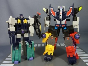 Transformers News: In-Hand Images: Kabaya Overlord and Road Caeser