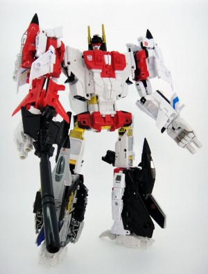 Transformers News: New Image of Transformers Unite Warriors Superion