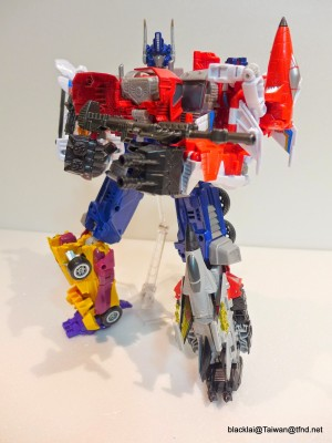 In-Hand Images - Transformers Generations Combiner Wars Optimus Prime, Including Ultra Prime