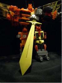 In-Hand Images of CrazyDevy Predaking Giant Sonic Sword