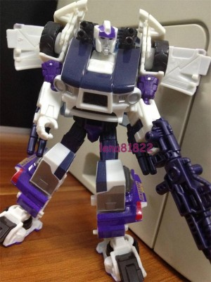 "Transformers News: In-Hand Images: Age of Extinction ""Breakout Battle"" Rollbar"