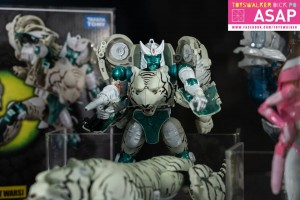 Images of MP 50 Tigatron, God Neptune, MPM Starscream, Super Megatron and More at Hong Kong Fans Expo