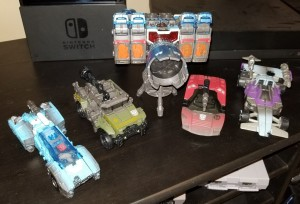 In hand Images of Netflix Wave 1 Deluxe Figures Shows Scrapface in Camera Mode