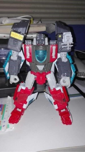 Transformers News: Possible Titans Return Broadside figure revealed