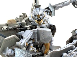 More images and official description of Masterpiece MPM-10 Starscream