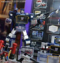 Transformers News: SDCC 2013 Coverage: Preview Night Masterpieces, Platinum Editions, and Linkin Park Soundwave Gallery