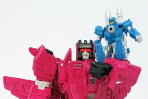 Pre-orders and many new images of Takara Legends Sixshot, Misfire, Doublecross and Broadside