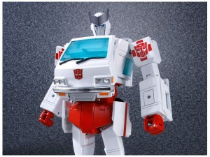 Transformers News: Video Review for Takara Transformers MP-30 Masterpiece Ratchet