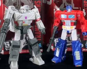 Transformers News: First Unboxing Videos for Siege 35th Anniversary Line Land Online