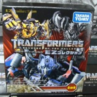 "Transformers News: New Image of EZ Collection ""Desert Attack"" Rampage & Others"