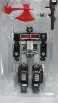 Transformers News: In-Hand Images: Takara Tomy Transformers Masterpiece MP-10B Black Convoy