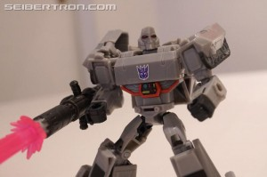 Transformers News: Gallery and Video for Cyberverse Deluxe Shockwave, Prime, Bumblebee and Megatron Shown at #NYCC2019