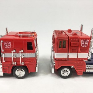 Transformers News: More Images of Jada Toys Diecast G1 Optimus Prime Cab and Comparison to G1 Toy