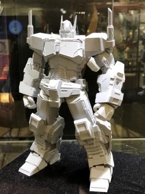 Images of Flame Toys IDW Non-Transforming Optimus Prime Prototype