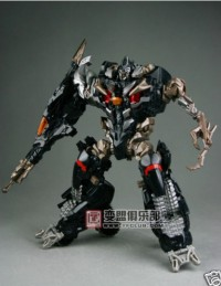 Transformers News: New Images of ROTF Shadow Megatron and Defender Optimus Prime