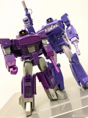Transformers News: In Hand Image of Transformers Generations Cyber Battalion Shockwave