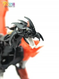 "Transformers News: Transformers Prime ""Beast Hunters"" Voyager Predaking In-Hand Images"