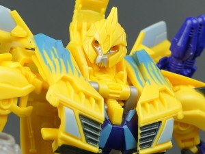 Transformers News: New Galleries: Predacons Rising Nova Blast Bumblebee and Go! Hunter Bumblebee
