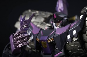 New Images of Flame Toys IDW Tarn Non-Transforming Figure