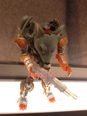 Transformers News: In-Hand Images: Transformers Generations Deluxe Rattrap
