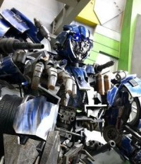 Transformers News: Statue of Transformers The Ride Evac