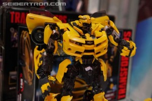 SDCC 2017 Preview Night: Transformers Movie Masterpiece MPM-3 Bumblebee #HasbroSDCC
