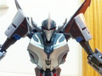 Toy Images of Transformers Prime Deluxe Class Starscream