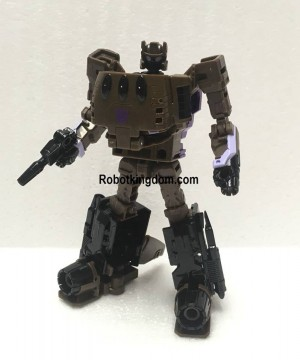 In Hand Images of Prime Wars Blast Off with Megatronus Showing Different Options for Chest