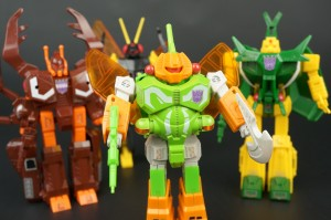 New Galleries: G1 Deluxe Insecticons Venom, Chop Shop, Barrage, and Ransack