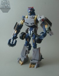 Photo Review of Hunt for the Decepticons Axor