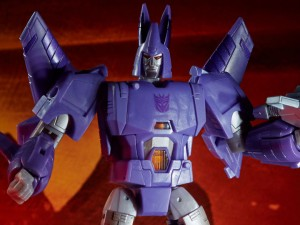 Video Review for Transformers Kingdom Cyclonus