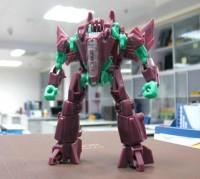 Transformers News: Transformers Generations: Fall of Cybertron Deluxe Class Starscream and Kickback Test Shots