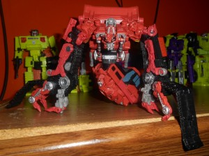 Transformers News: New In Hand Images of Transformers Studio Series Rampage Shows its Poseability
