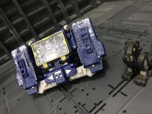 Transformers News: Siege News Roundup: Astrotrain Confirmed, Voyager Apeface Listing, Soundwave's Boombox Mode and More